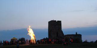 Tüzeskedés a Csonka toronynál