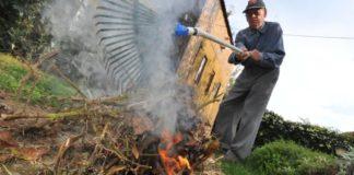 Milliós bírság is járhat a kerti tüzelésért