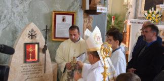Szent II. János Pál pápa vérereklyéje Izsákon
