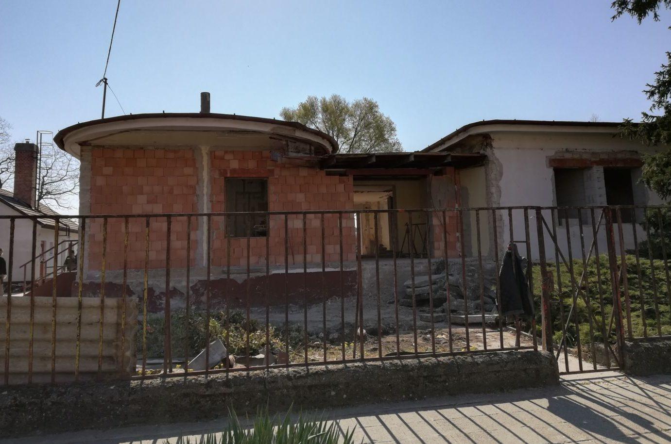 Gőzerővel folyik a Hagyományok Házának építése Kiskőrösön