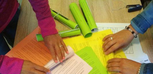 Szemezz a neonnal! – gyereknapi nyereményjátékra invitálnak a kiskőrösi Petőfi Sándor Művelődési Központ munkatársai