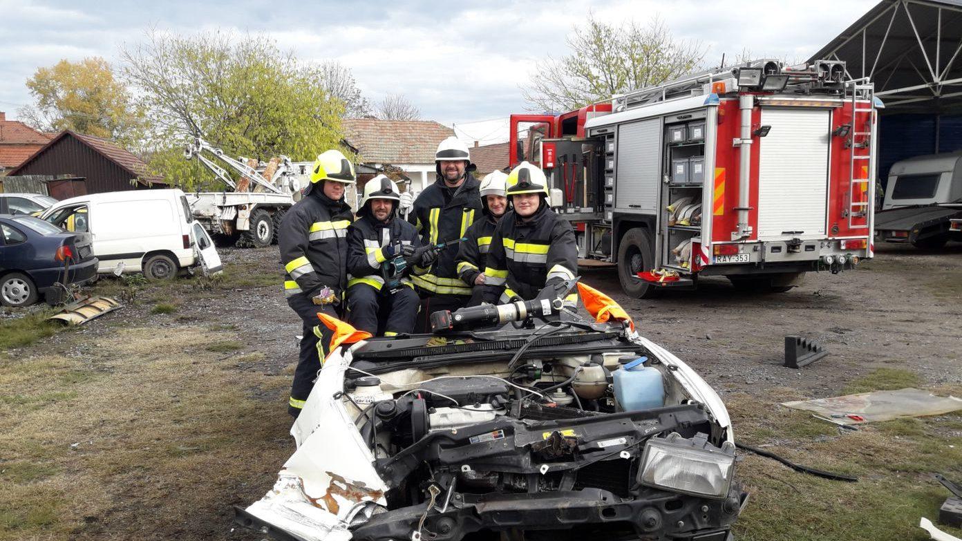 Új életmentő eszközzel gazdagodtak a Kiskőrösi Önkéntes Tűzoltók