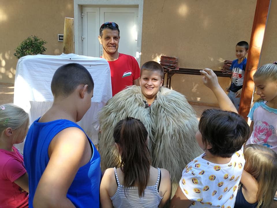 Népi hagyományaink Erzsébet tábor a Tázlári Művelődési házban