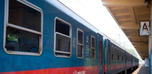 Fák dőltek a sínekre, zárlatos a felsővezeték: igazi káosz alakult ki a vasúti közlekedésben Kiskőrös és Pirtó között