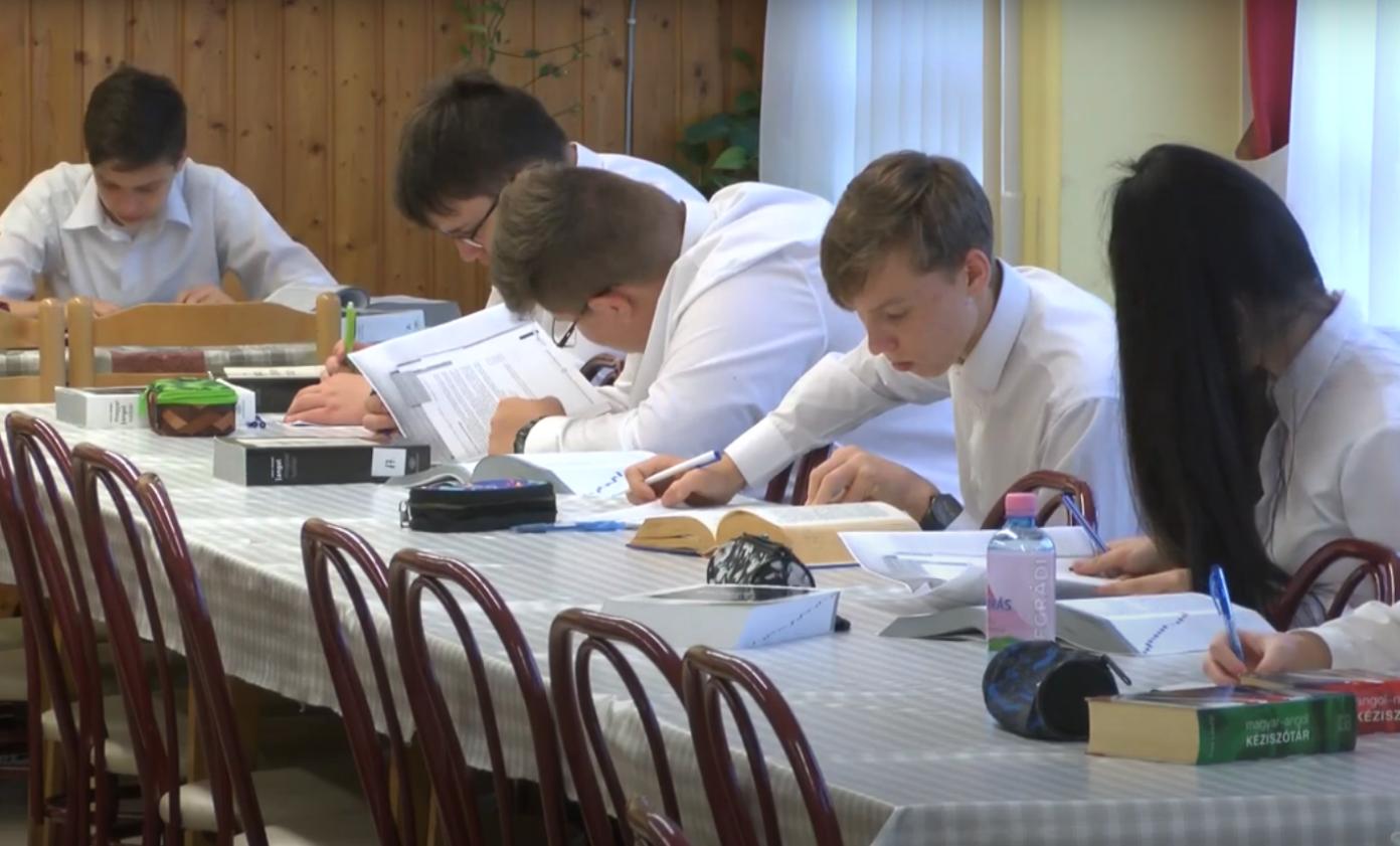 Angol próbanyelvvizsgát tettek a Bem iskola diákjai