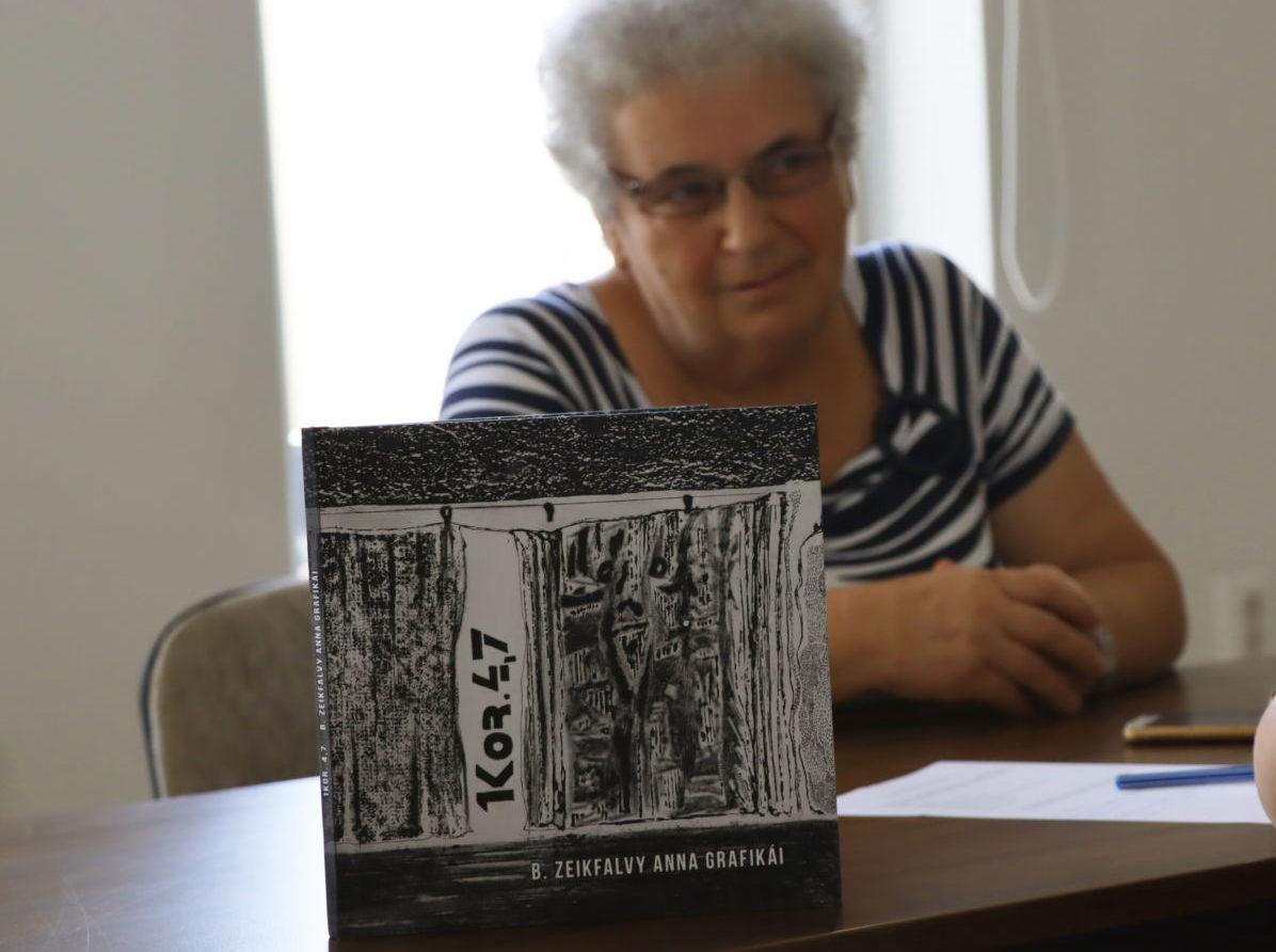 Képzőművészeti album készült Babucsikné Zeikfalvy Anna grafikusművész alkotásaiból