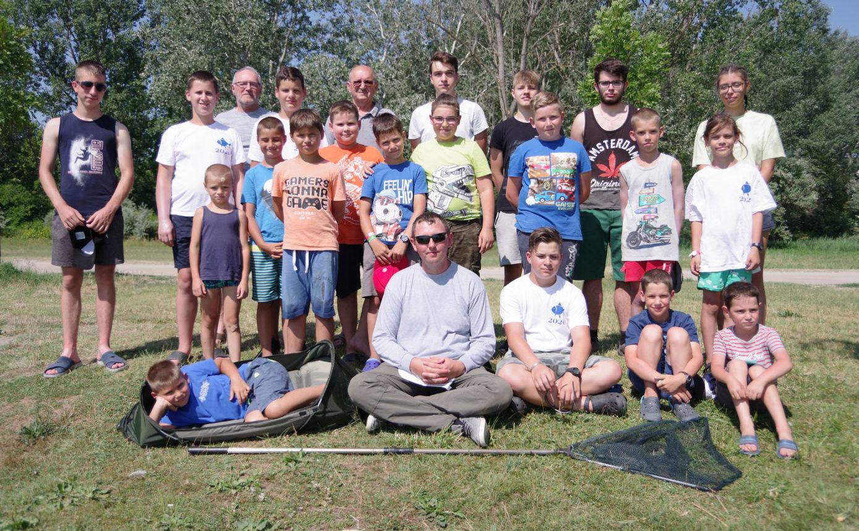 A Vadkerti-tónál táboroztak a fiatal horgászok