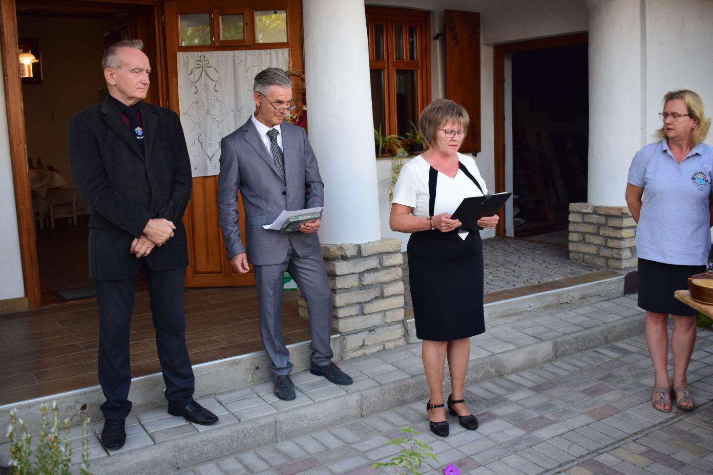 Kiállításmegnyitóval vette kezdetét az Akasztói Kisasszony-napi Búcsú